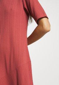 Monki - HALLEY DRESS - Jerseykjole - rust - 6