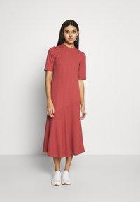 Monki - HALLEY DRESS - Jerseykjole - rust - 0