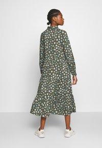 Monki - PEARL DRESS - Skjortekjole - khaki/blue - 2