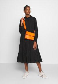 Monki - PEARL DRESS - Skjortekjole - black dark unique - 1