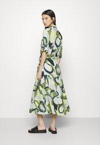 Monki - ADRIANA DRESS - Skjortekjole - khaki - 2