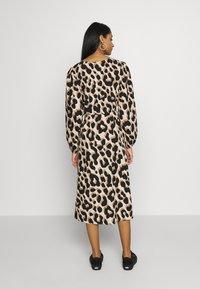 Monki - MALLAN DRESS - Robe d'été - beige - 2