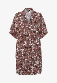 Monki - NELLY DRESS - Košilové šaty - light brown - 5