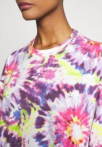 Monki - SANDRA DRESS - Jerseykjole - white tie dye - 4
