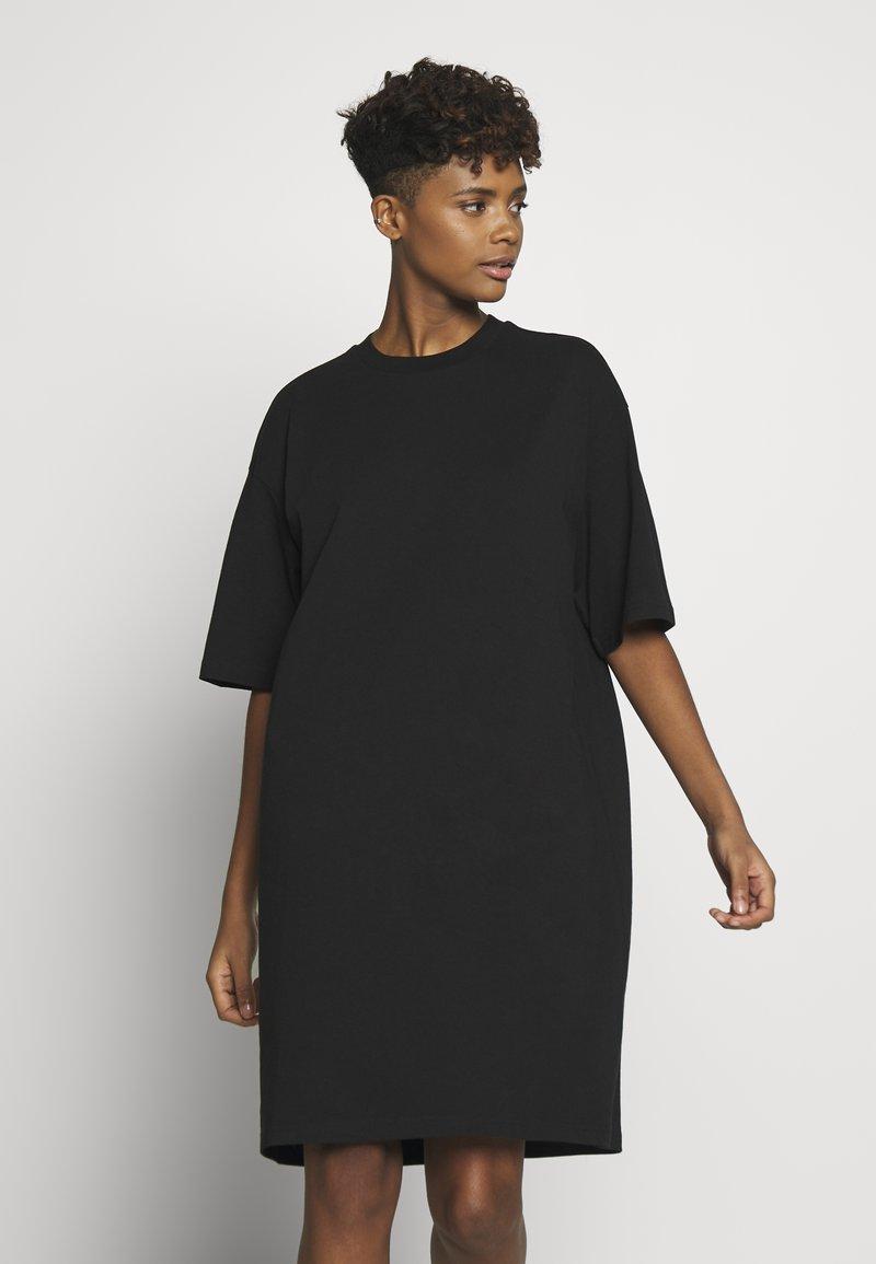 Monki - SANDRA DRESS - Jerseykjole - black solid