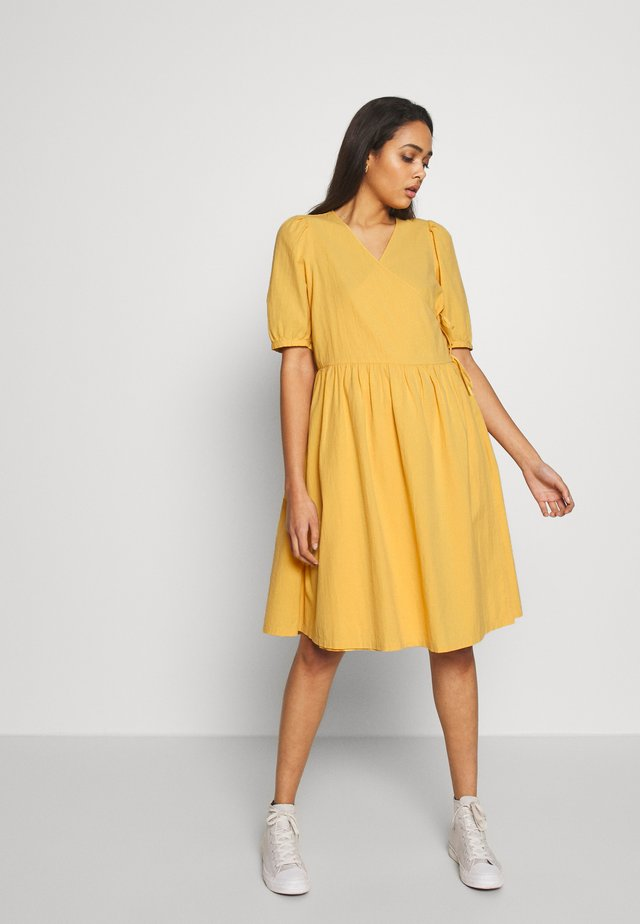YOANA DRESS - Korte jurk - yellow medium dusty