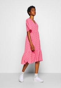 Monki - SANDY DRESS - Kjole - pink medium - 2