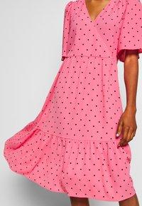 Monki - SANDY DRESS - Kjole - pink medium - 6