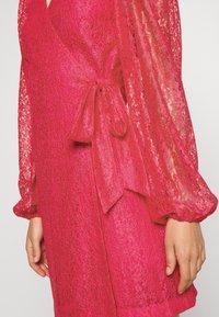 Monki - AMY DRESS - Cocktailklänning - pink - 5