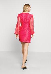 Monki - AMY DRESS - Cocktailklänning - pink - 2