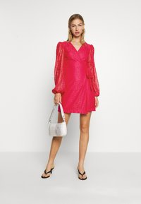 Monki - AMY DRESS - Cocktailklänning - pink - 1