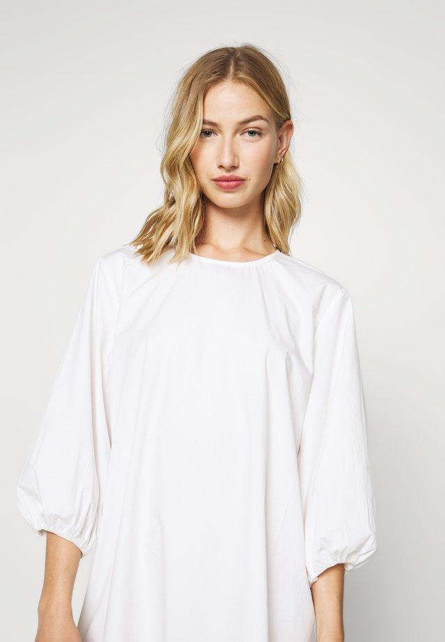 JULY DRESS - Korte jurk - white
