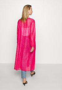 Monki - MONA DRESS - Blousejurk - pink - 2