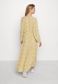 Monki - MINNA DRESS - Maxikjole - yellow medium/dusty - 2