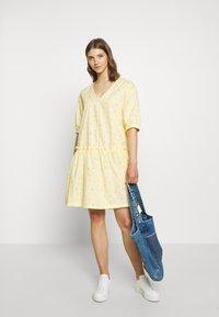 Monki - ROBIN DRESS - Kjole - yellow - 1