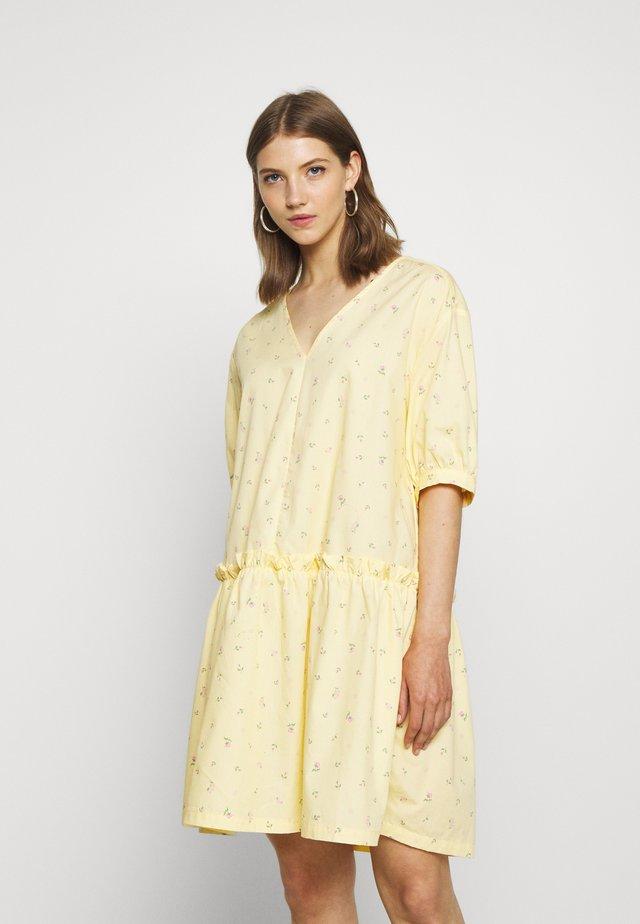 ROBIN DRESS - Sukienka letnia - yellow