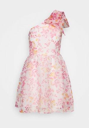 CAMILLE DRESS - Cocktailklänning - white/pink