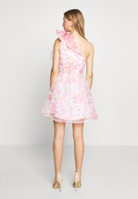 Monki - CAMILLE DRESS - Cocktailjurk - white/pink - 2