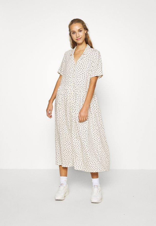 MATTAN DRESS - Vestido camisero - white