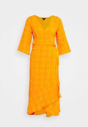 AMANDA DRESS - Maxikjoler - orange