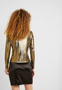 Monki - VANJA  - Long sleeved top - foile gold - 2