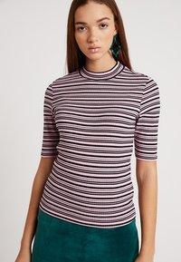 Monki - SABRINA 2 PACK - T-shirt print - pink/black - 3
