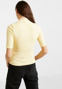 Monki - SABRINA 2 PACK - T-shirts med print - spring - 2