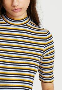 Monki - SABRINA 2 PACK - T-shirts med print - spring - 5