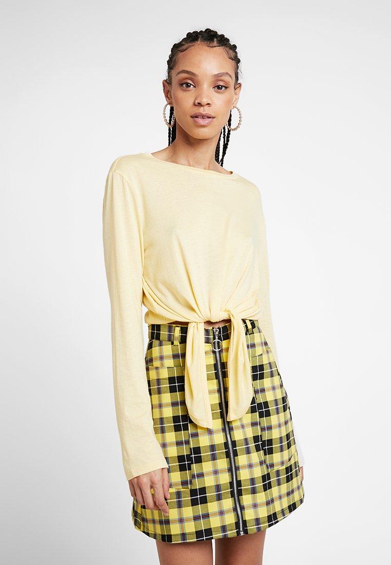 Monki - PENELOPE - Langærmede T-shirts - light yellow