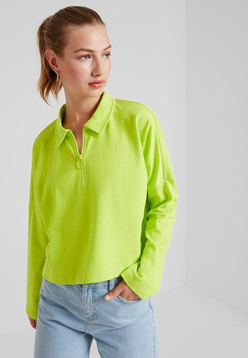 Monki - DOLLY - Langærmede T-shirts - lime green
