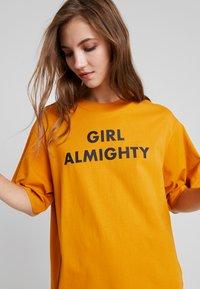 Monki - TORI TEE - Print T-shirt - dark yellow - 5