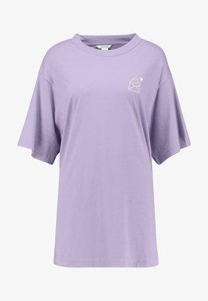 TORI TEE - Camiseta estampada - lilac purple medium