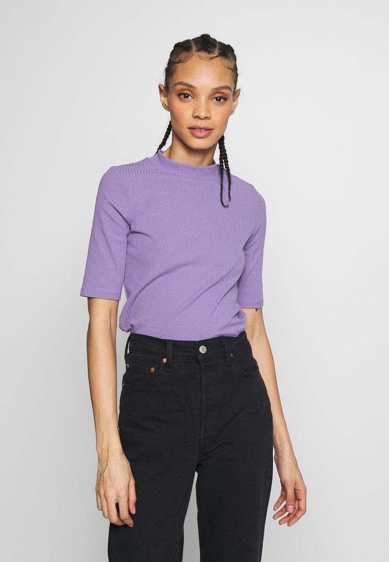 Monki - SABRINA - Print T-shirt - lilac