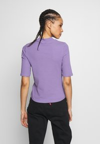 Monki - SABRINA - Print T-shirt - lilac - 2