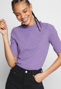 Monki - SABRINA - Print T-shirt - lilac - 4