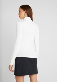 Monki - ELIN POLO - Maglietta a manica lunga - offwhite - 2