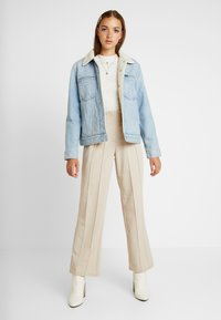 Monki - SAMINA - Topper langermet - off white - 1