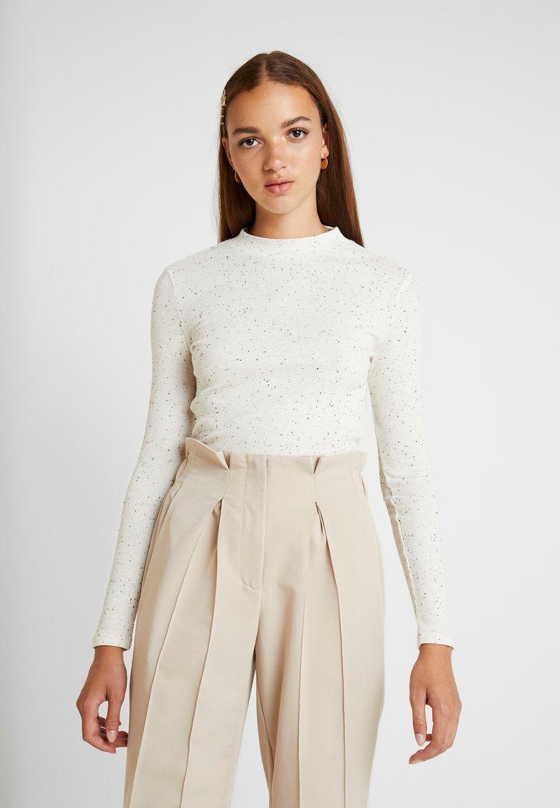 Monki - SAMINA - Langarmshirt - off white