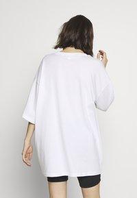 Monki - CISSI TEE - T-shirts med print - white light - 2