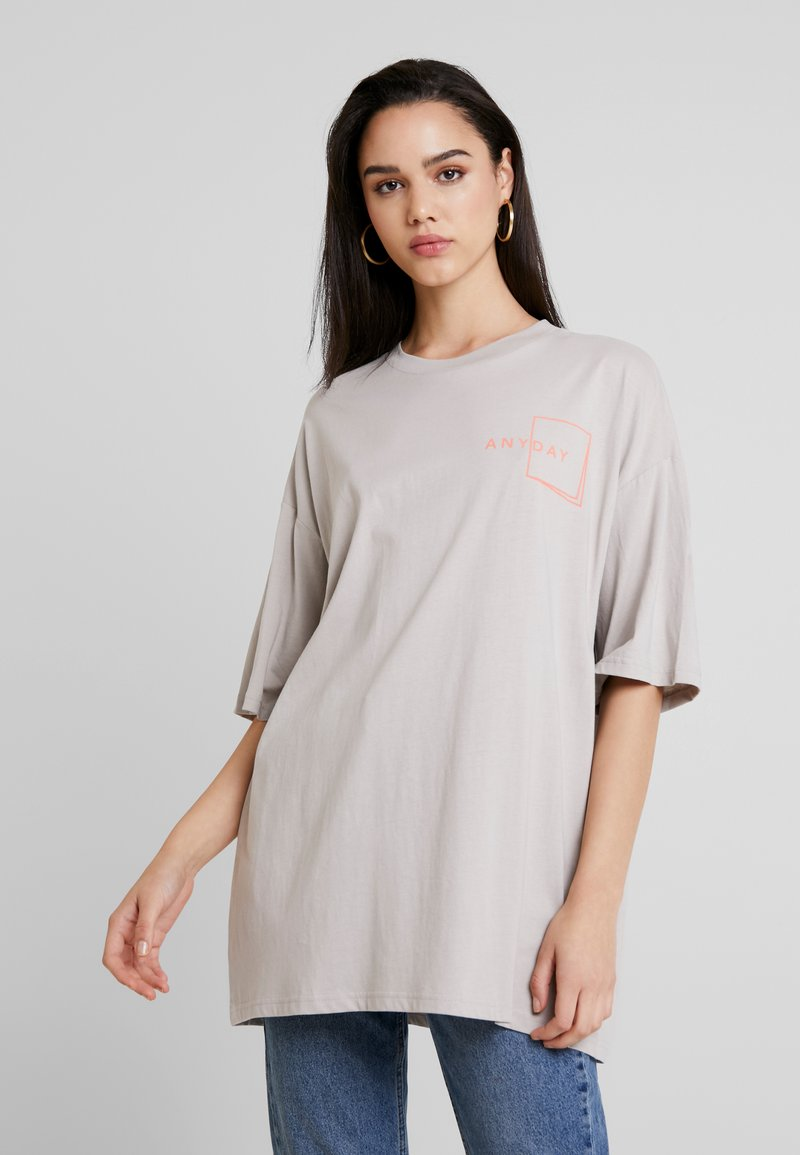 Monki - CISSI TEE - T-Shirt print - grey