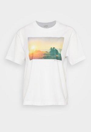 TOVI TEE - T-shirts med print - white