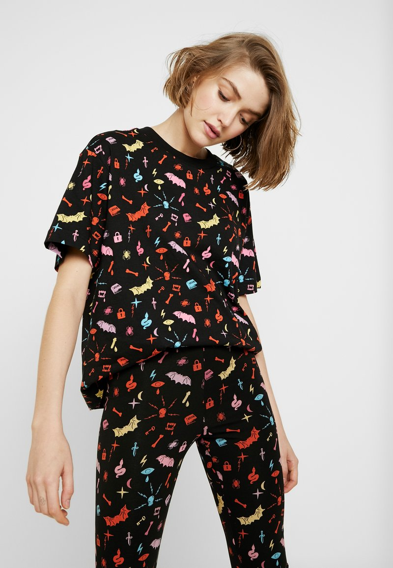 Monki - TOVI TEE - T-shirt con stampa - colorful