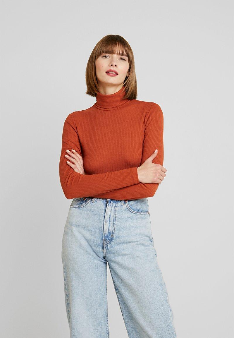 Monki - ELIN - Topper langermet - orange dark rost