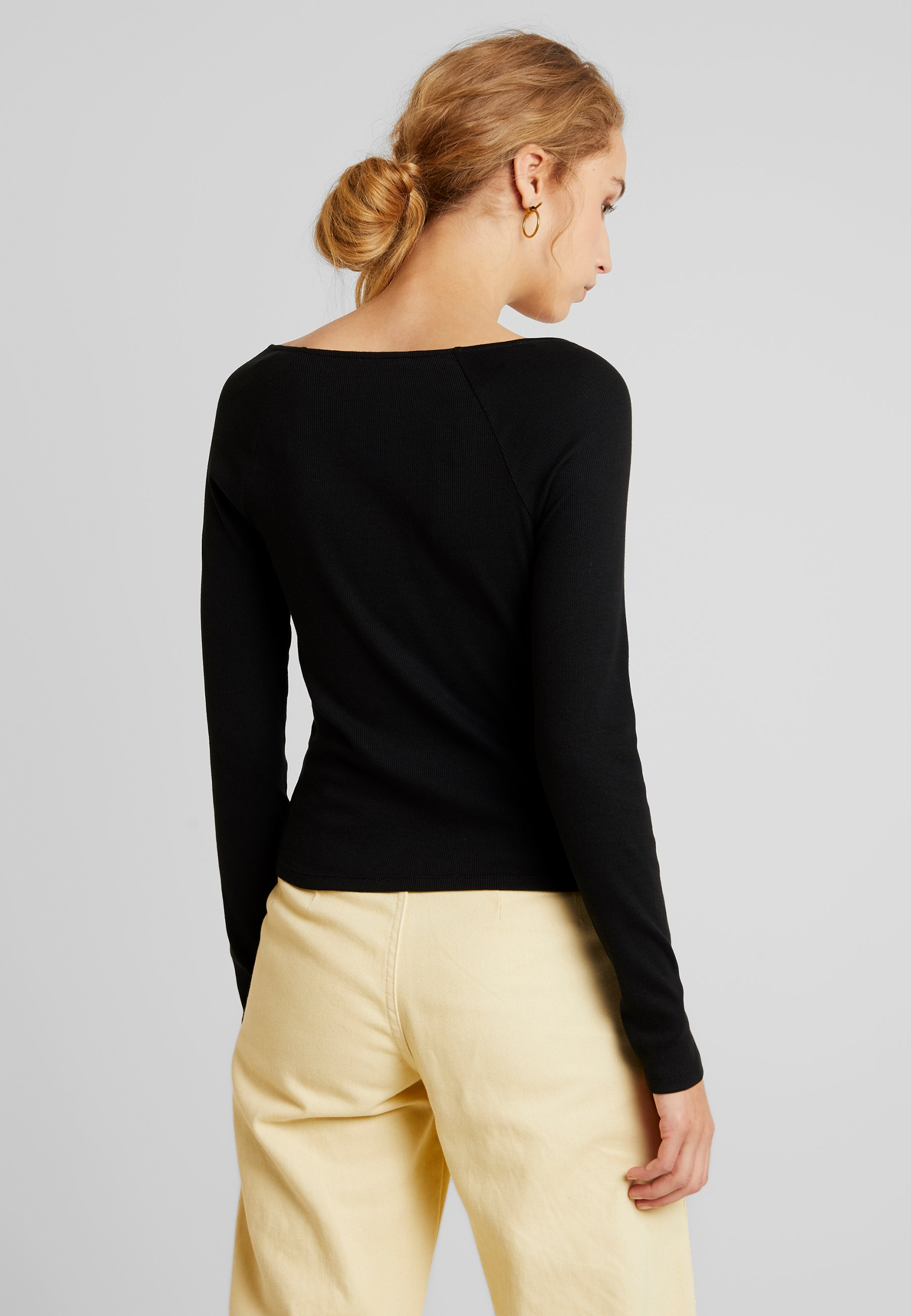 Monki CatchT shirt Longues Black Malou Dark Manches À Solid xBWdeoQrCE