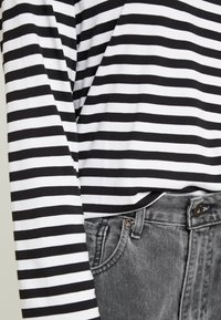 Monki - URSULA - T-shirt à manches longues - black/white /yellow - 5