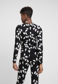Monki - GERI BODY - Long sleeved top - black - 2