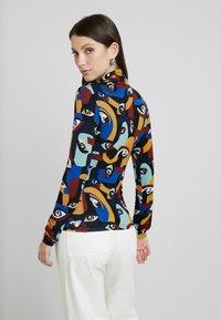 Monki - ELIN - T-shirt à manches longues - darkeyes - 2