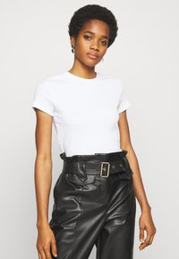 Monki - MAGDALENA TEE - T-shirts - white light solid - 0