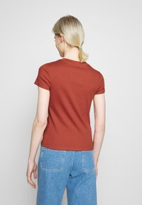 Monki - MAGDALENA TEE - T-shirt basic - orange - 2