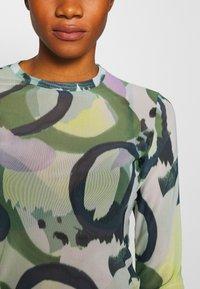 Monki - JOCY - T-shirt à manches longues - beige/medium dusty/khaki - 5
